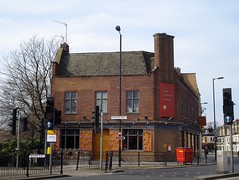 Picture of Yellow House Bar, SE16 2UE