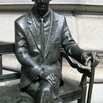 NYC: Polish Consulate - Jan Karski statue