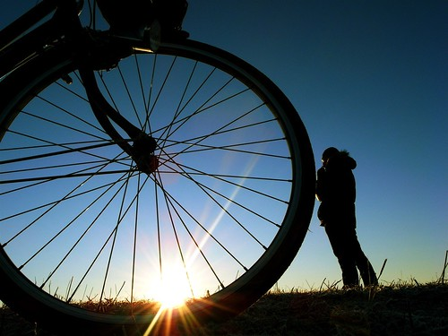 sky bike bicycle wheel digital sunrise first gr 2008 ricoh hatsuhinode 初日の出