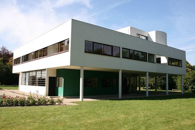 Villa savoye exterior of villa savoye by le corbusier for 5 points corbusier