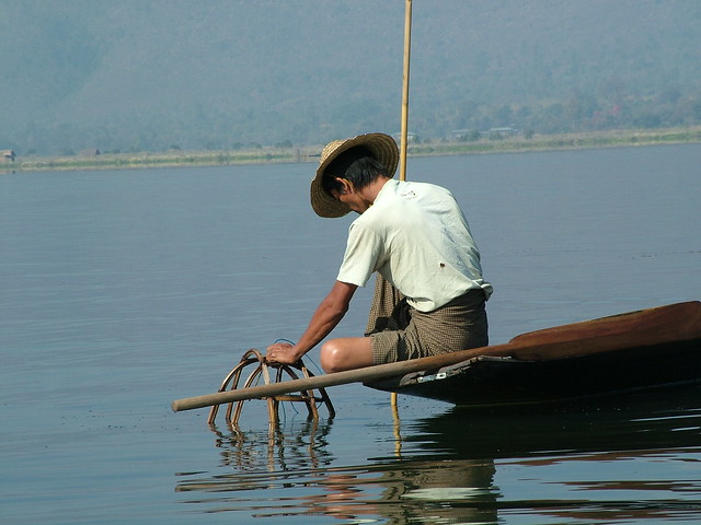 Behind the fisherman on the Inle Lake (6)