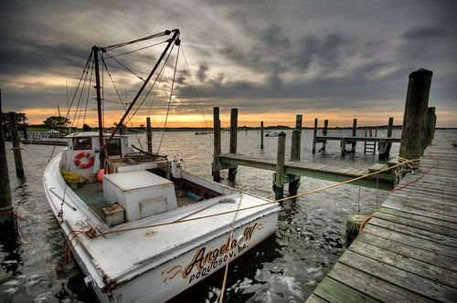 sunset sky water virginia boat fisherman dock nikon unitedstates sigma va waterman hdr highdynamicrange 10mm poquoson d90 watermen photomatix project365 tonemapped
