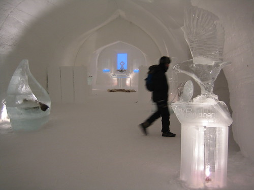 ice gallery in lapponia 01