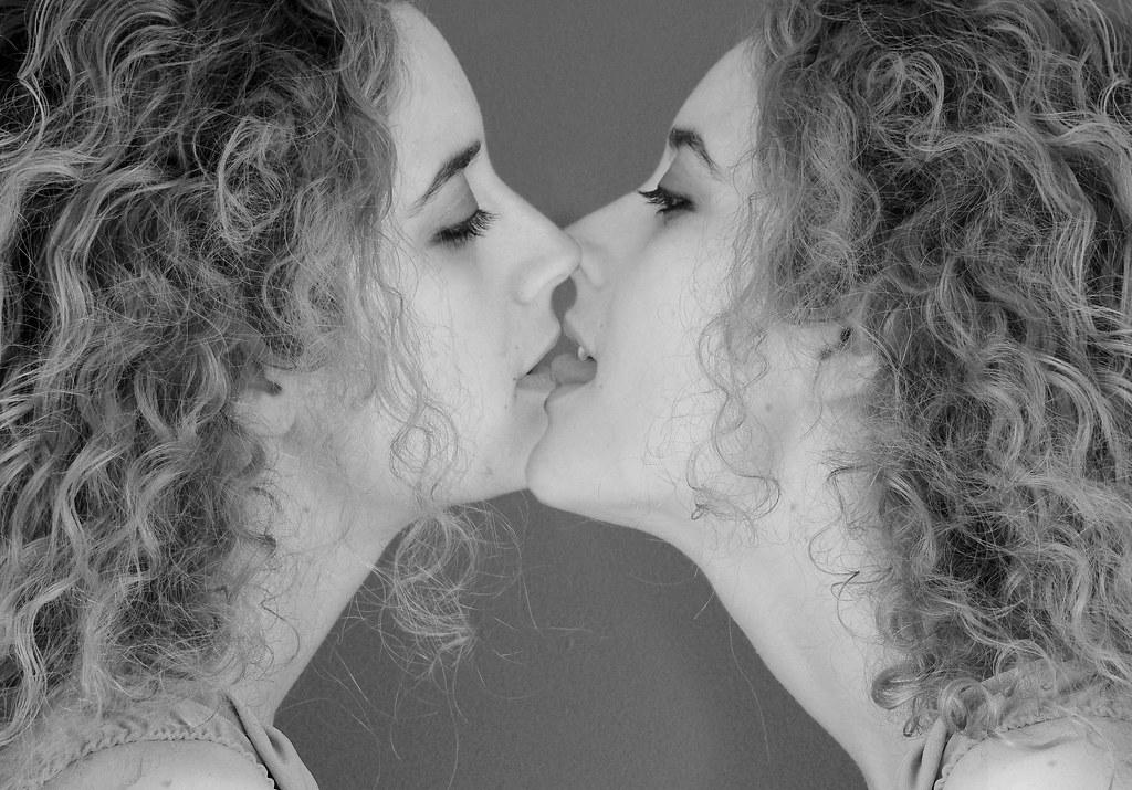 Lesbian twins kissing video