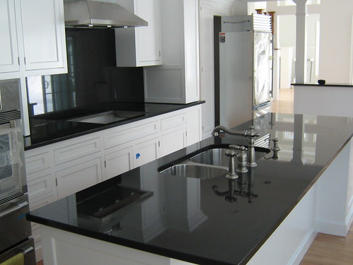 House tweaking Kitchen platform granite design