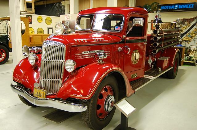 1938 reo speedwagon fire truck r e olds museum lansing mi for Motor cars lansing mi