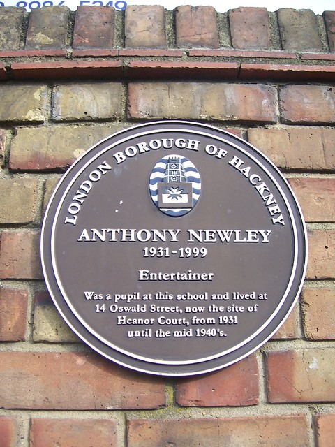 Anthony Newley brown plaque - Anthony Newley 1931-1999 Entertainer Was a pupil at this school and lived at 14 Oswald Street, now the site of Heanor Court, from 1931 until the mid 1940's.