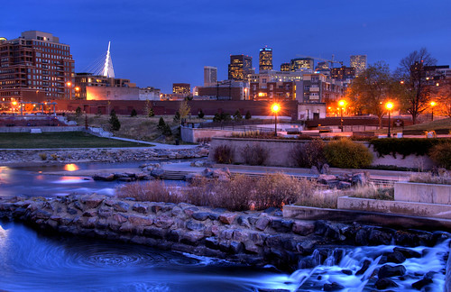 park bridge building water skyline architecture night buildings river lights waterfall colorado rocks downtown kayak cityscape dusk bridges run denver falls millenniumbridge confluence qwest cherrycreek bridging southplatteriver skyarchitecture bridgepixing bridgepix 200711 conluencepark