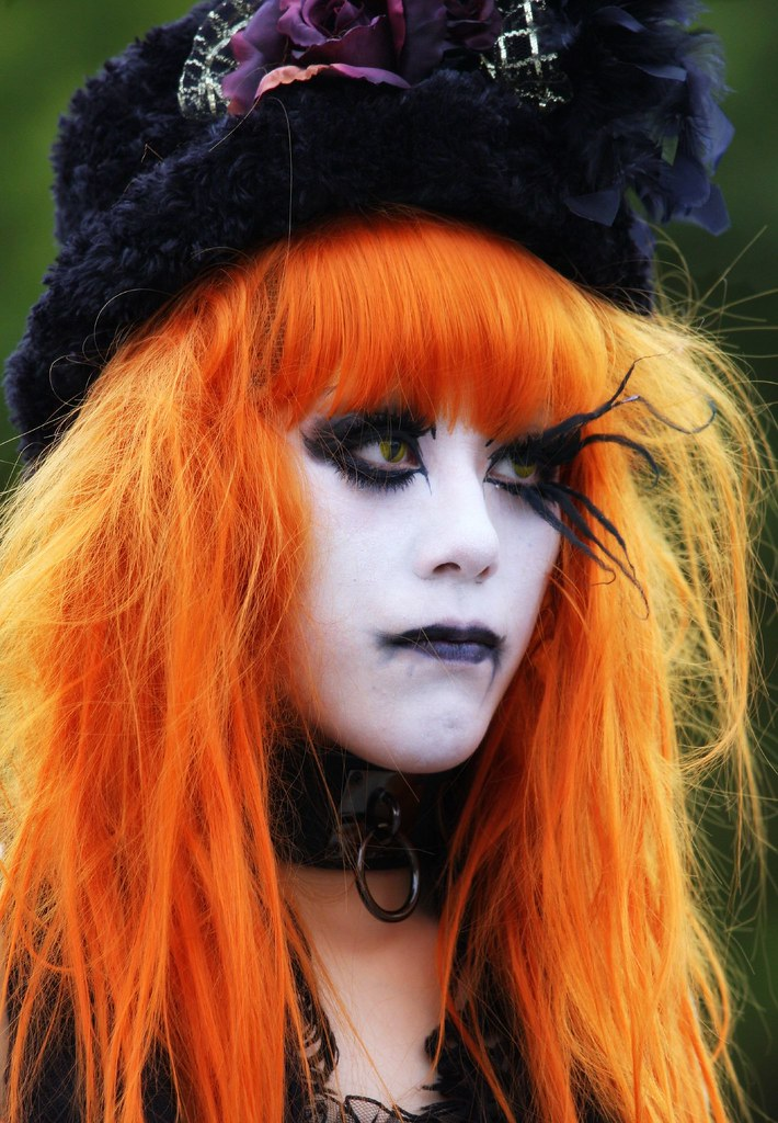 Orange The Hair And Eyebrow Decoration On This Character W