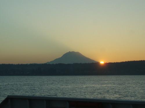 sun mountain sunrise washington