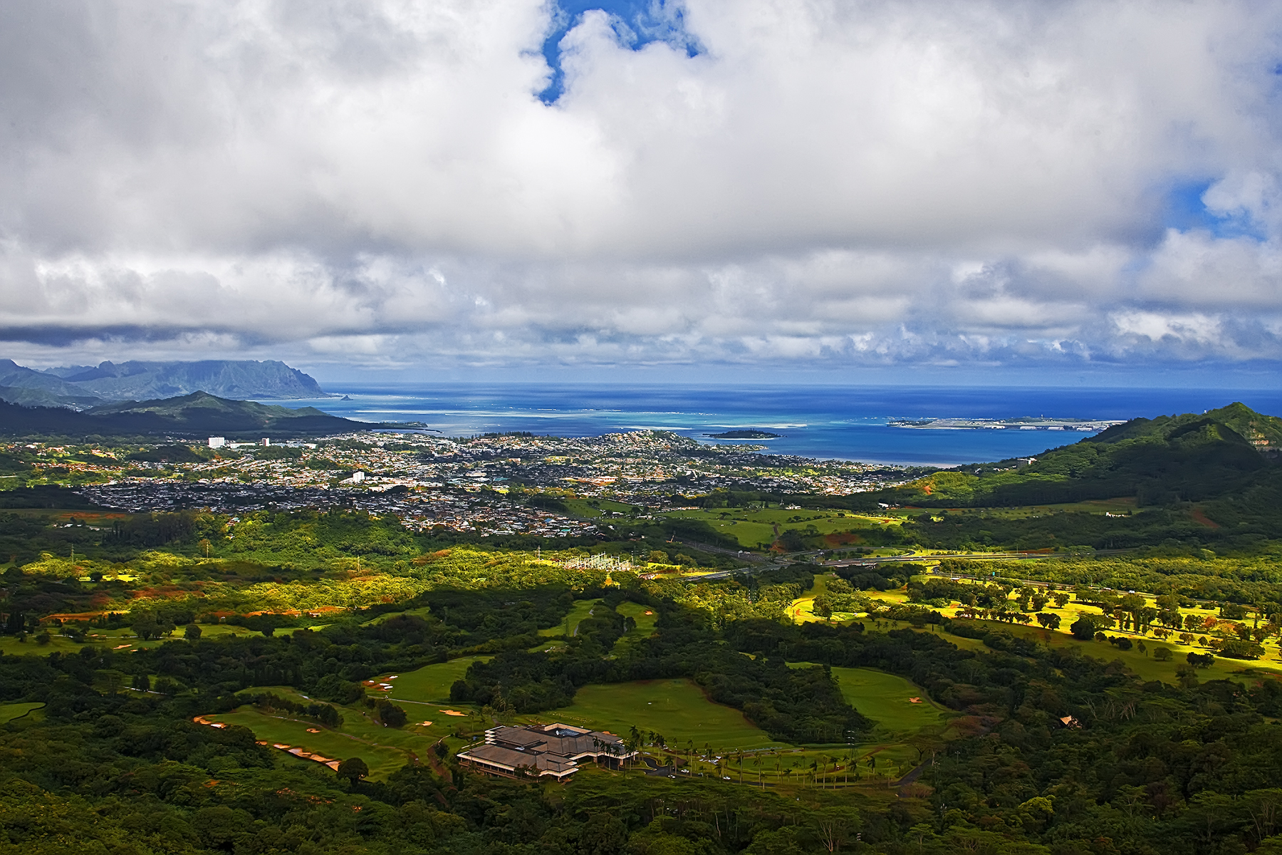 Nu uanu pali pali lookout view of the windward for The windward
