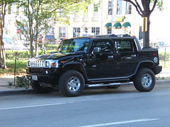 hummer h3(0.0), compact sport utility vehicle(0.0), hummer h1(0.0), automobile(1.0), automotive exterior(1.0), sport utility vehicle(1.0), vehicle(1.0), hummer h2(1.0), hummer h3t(1.0), off-road vehicle(1.0), bumper(1.0), land vehicle(1.0), luxury vehicle(1.0),