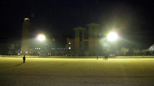 高知工科大学グラウンド照明試験点灯