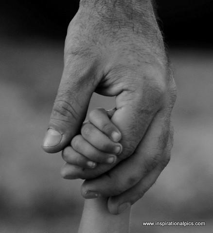 Hand Holding - www.inspirationalpics.com