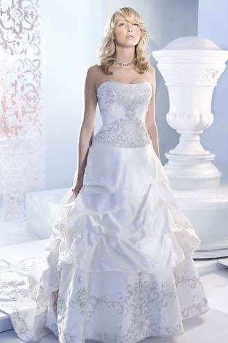 wedding dresses with butterflies