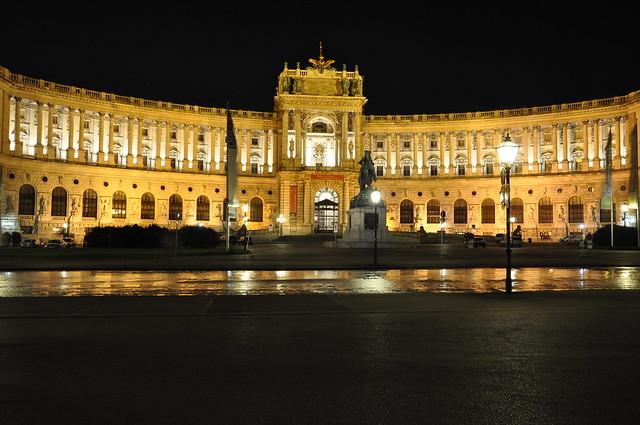 Hofburg Wien bei Nacht
