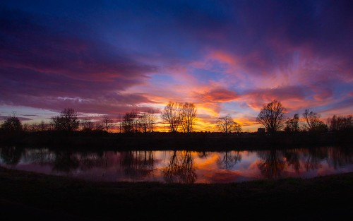 sunset sky reflection silhouette clouds canon eos riversevern colourful worcester 60d