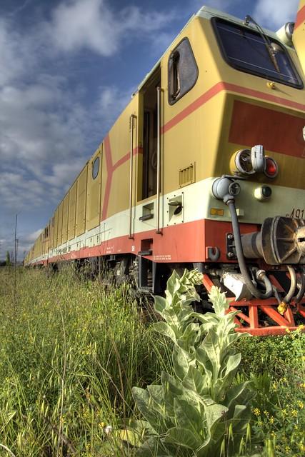 Treno dismesso - old train hdr