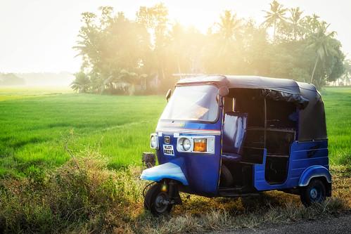 india tuktuk asia sun light green fuji xt2 kainakary kerala in