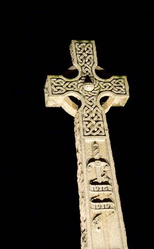 memorial cross pitlochry