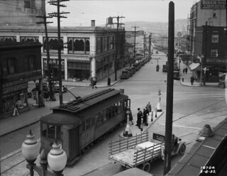 Streetcar at 8th and Olive, 1932