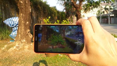 Nokia Lumia ทุกรุ่นนี่มีปุ่มชัตเตอร์ให้ถ่ายรูปได้ง่าย