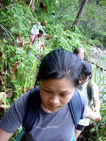Chiling Falls, Selangor - 08 - trekking the trail