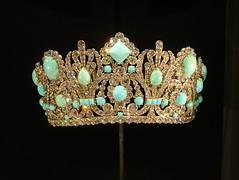 clothing(0.0), light fixture(0.0), jewellery(0.0), lighting(0.0), headgear(0.0), crown(1.0), gemstone(1.0), headpiece(1.0), tiara(1.0),