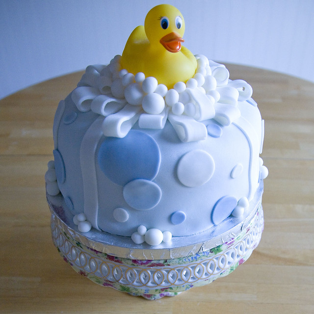 Rubber Duck Baby Shower Cakes http://www.flickr.com/photos/yuzwa/2930729041/