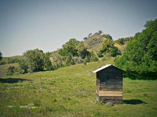 farm outhouse yorkville petitteton