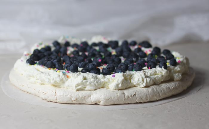 marängtårta kardemumma blåbär