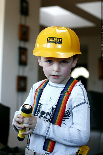 builder with mork suspenders and a flashlight    MG 7326