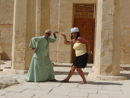 Funny Pictures About Egypt: Kendra And A Funny Egyptian Guy