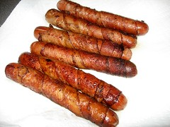 boerewors(0.0), bratwurst(0.0), hot dog(0.0), sausage(1.0), frankfurter wã¼rstchen(1.0), italian sausage(1.0), vienna sausage(1.0), sujuk(1.0), boudin(1.0), mettwurst(1.0), longaniza(1.0), food(1.0), dish(1.0), cuisine(1.0), breakfast sausage(1.0), kielbasa(1.0),