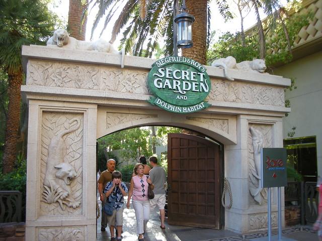 Secret Garden Dolphin Habitat Mirage Las Vegas Flickr Photo Sharing