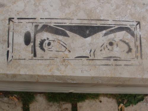 201307310041-eyes-stencil