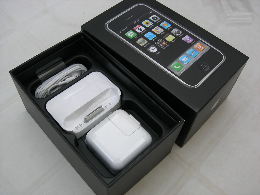 iphone 4 docking station docking station best. Black Bedroom Furniture Sets. Home Design Ideas