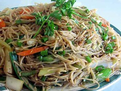 noodle, mie goreng, fried noodles, lo mein, japchae, pancit, spaghetti, spaghetti aglio e olio, char kway teow, green papaya salad, produce, food, dish, yakisoba, chinese noodles, vermicelli, cuisine,
