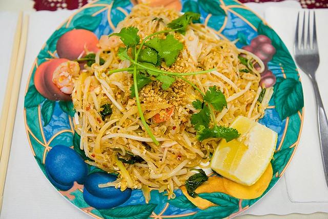 Pad Thai Seafood And Shrimp At Le Paradis Flickr Photo