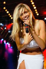 singer, abdomen, girl, showgirl, hair, female, lady, blond, singing,