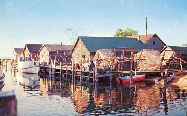 Leelanau leland fishtown village explore upnorth for Lake leelanau fishing