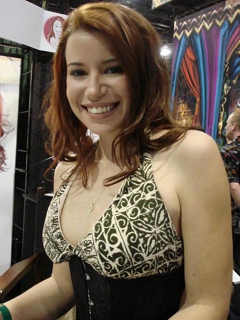 Sarah Blake Nude Photos 8