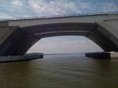 automotive exterior(0.0), arch(0.0), stadium(0.0), cable-stayed bridge(0.0), girder bridge(1.0), beam bridge(1.0), overpass(1.0), arch bridge(1.0), bridge(1.0),