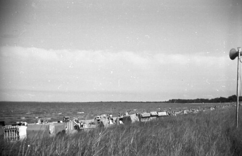 Beach Set Row of tents 02