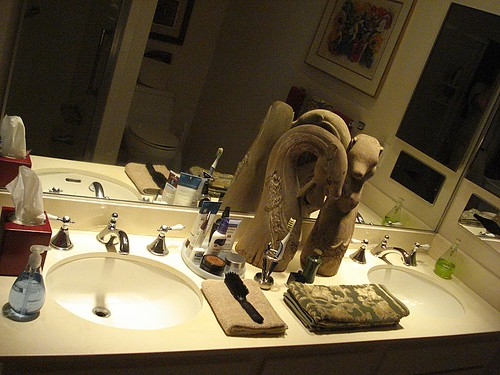 Expanded View of the Washstand