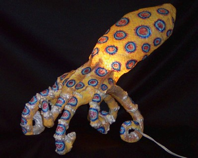 how to avoid blue ringed octopus