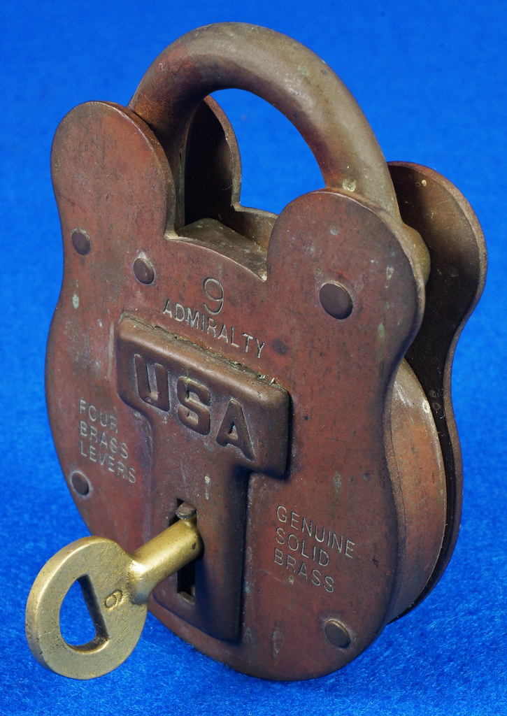 RD15222 Admiralty 4 Lock USA 4 Brass Levers DBC Lock Co LTD 004-02-01 Steampunk DSC08829