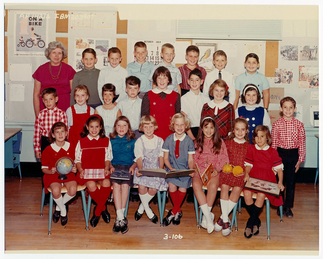 Elementary school class picture