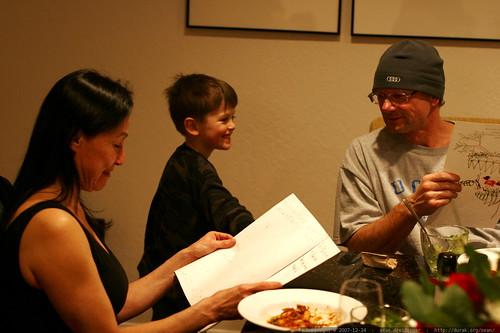 nick giving his artwork to grandma and grandpa    MG 7240