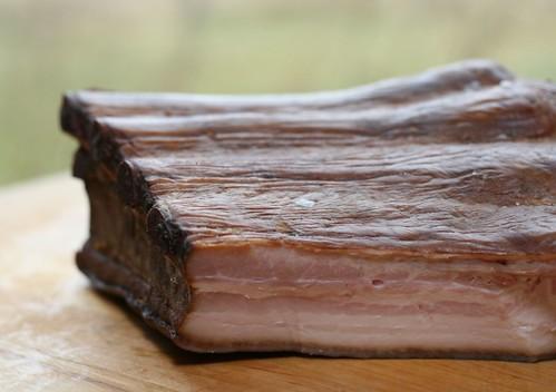 Smoked pork ribs / Maasuitsuribi